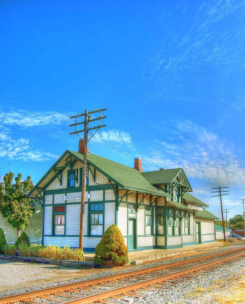Train Depot, Higginsville, MO Old train station, Train