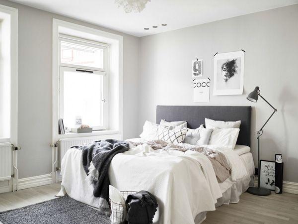 Scandinavische slaapkamer, natuurlijke kleuren, metalen mand en ...