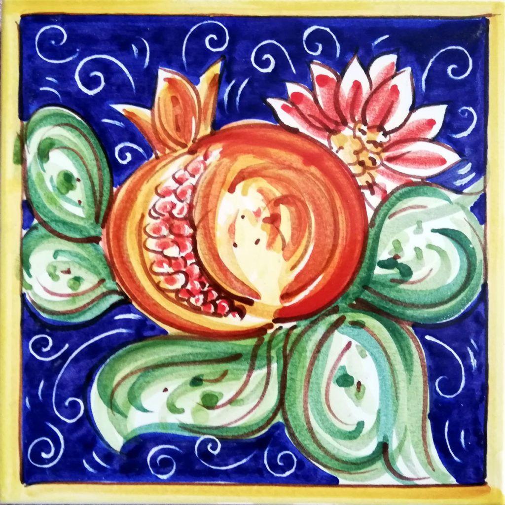 Piastrelle Cucina Con Fiori realizziamo mattonelle in ceramica e pietra lavica   targhe
