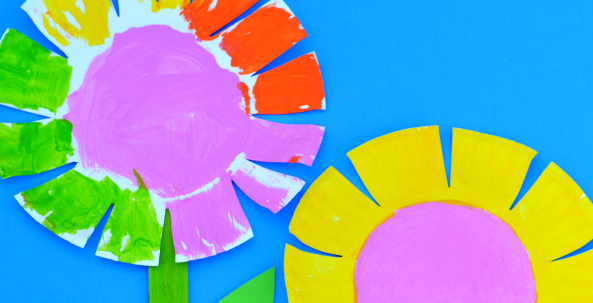 This Paper Plate Flower Craft Is A Fun Springtime Kids Can Make That Provides Scissor Practice Needed To Strengthen Fine Motor Skill