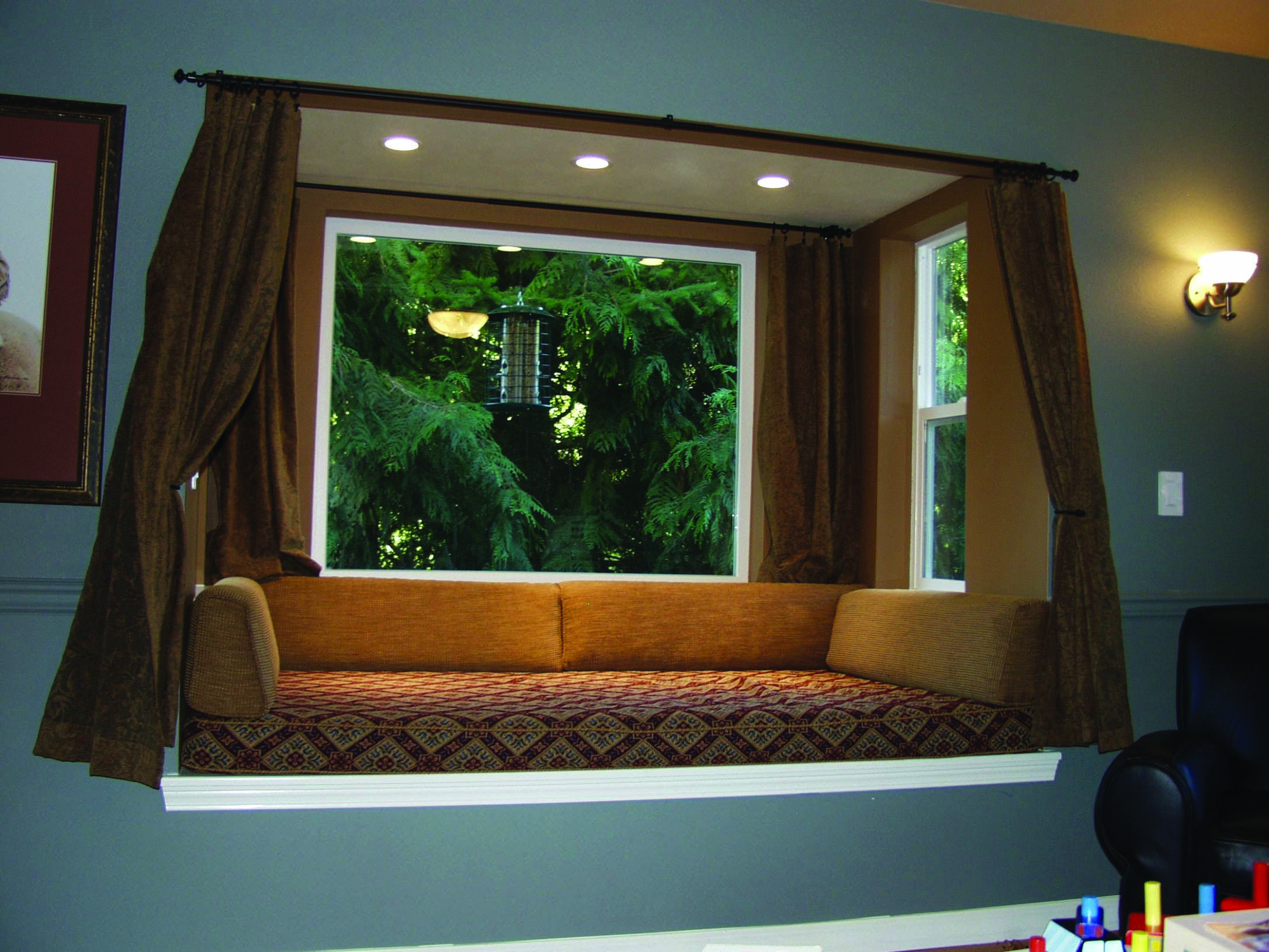 Top Bay Window Seat Ideas For Your Cozy Home Bay Window Living Room Window Seat Design Bay Window Design