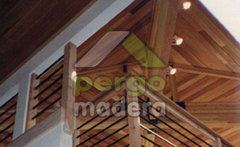 Su cubierta de madera con la mejor calidad, garantía y precio, en tiempo record y sin necesidad de obra alguna. Con los mejores aislamientos del mercado, cualquier tipo de teja, distribuidor oficial VELUX, preinstalación de iluminación, canalones, etc. Diseñamos, mecanizamos e instalamos su cubierta de madera con cualquier diseño, acabado y gama de color (Lasur de la marca Xylazel).