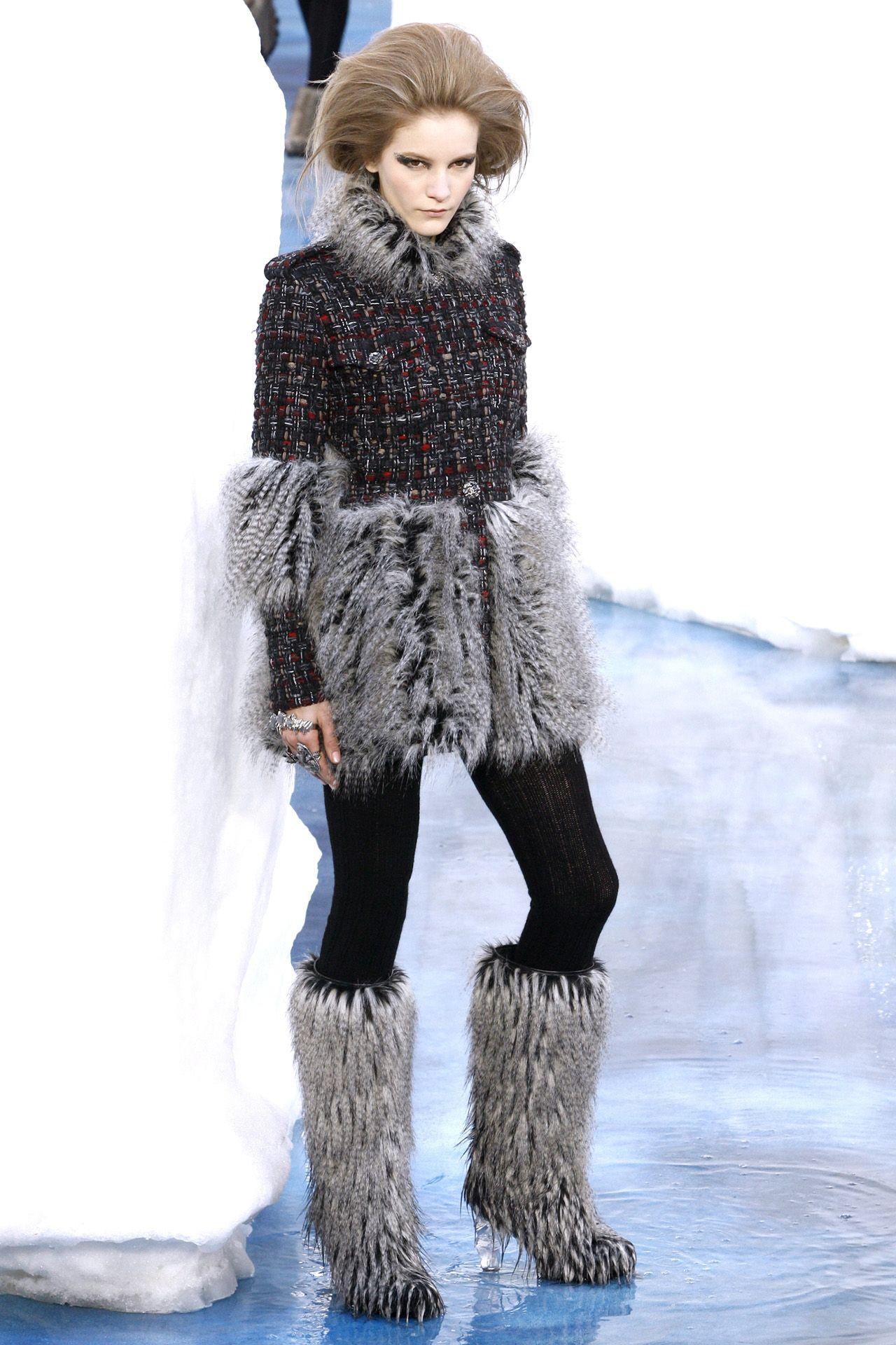 Chanel - Fall/Winter 2010-11 Ready-To-Wear