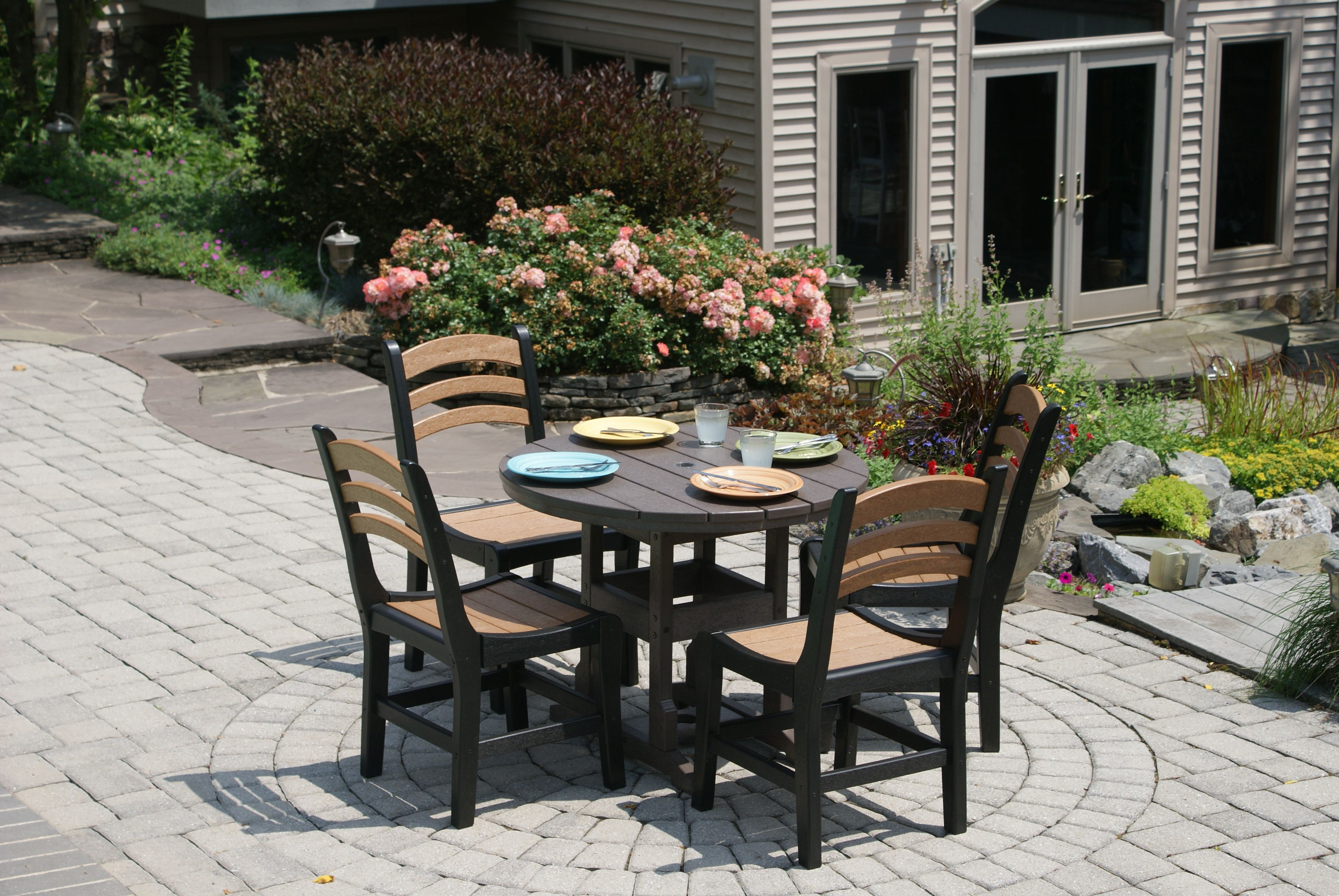 Avanti Dining set from #Breezesta available at #Stauffers #Rohrerstown and #Mechanicsburg #Patio Showrooms.