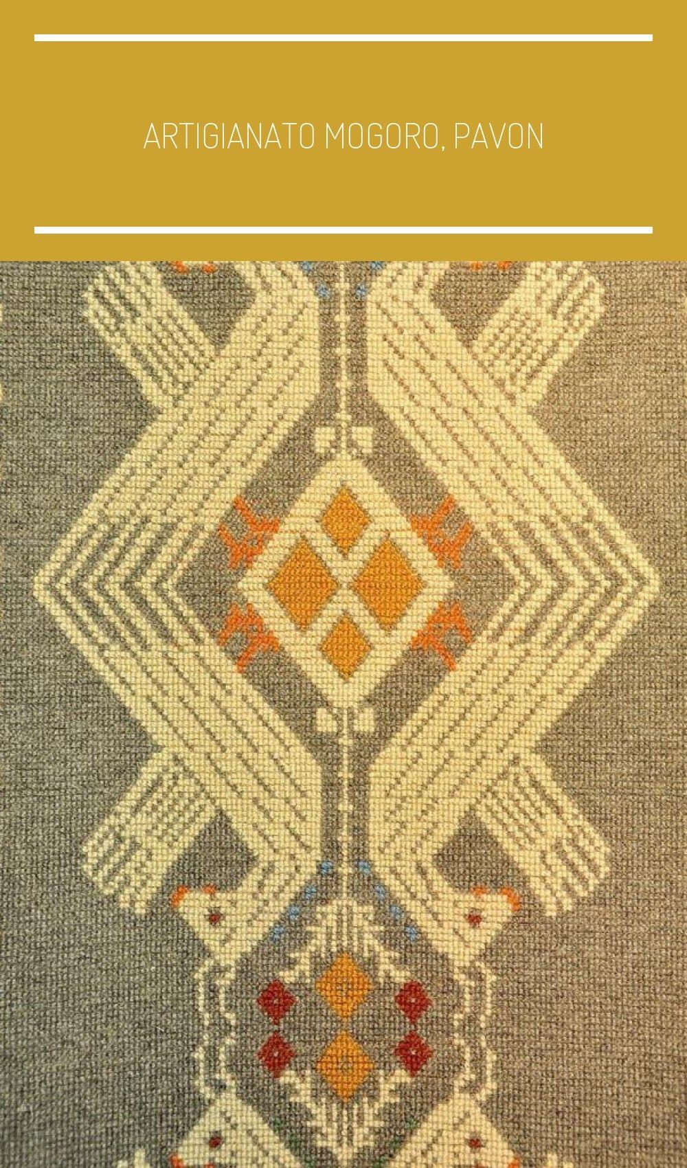 Artigianato Mogoro, pavoni. #arte tessile sarda