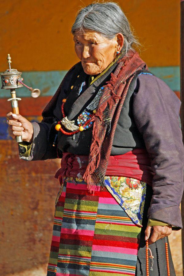 I always say my prayers, old woman, Tibet