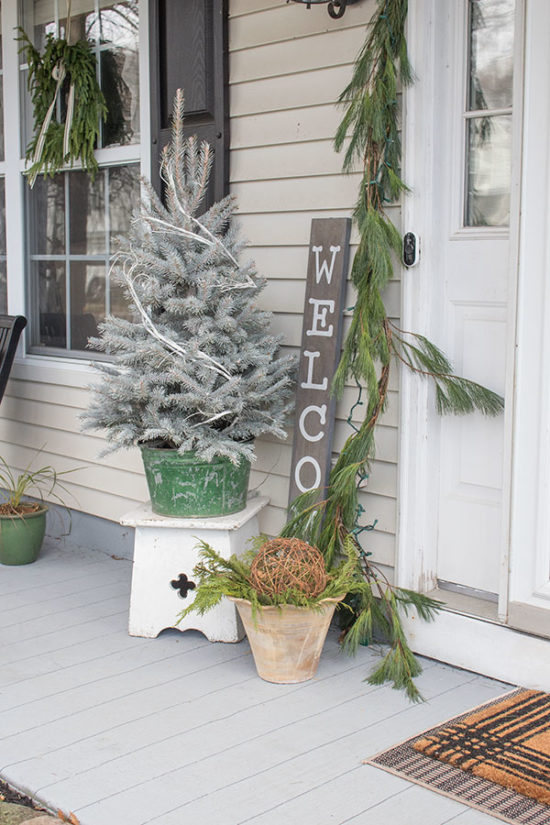 45++ Decorating a small front porch for christmas ideas