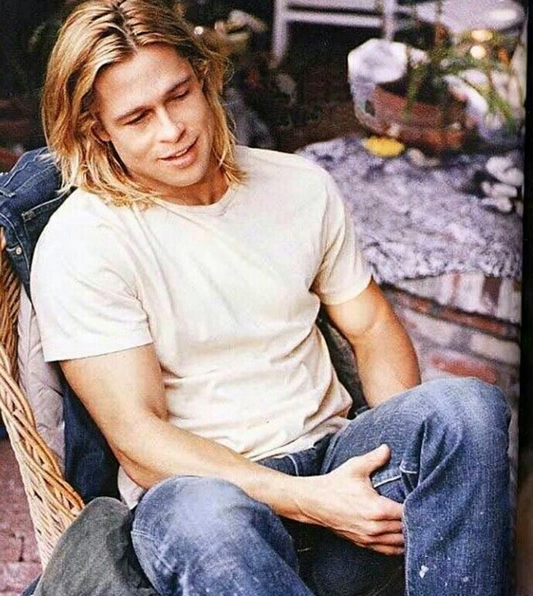 Brad Pitt On Instagram Could He Be Any More Beautiful Bradpitt Handsome Instagood Longhair Pretty Love Brad Pitt Brad Pitt Hair Brad Pitt Long Hair