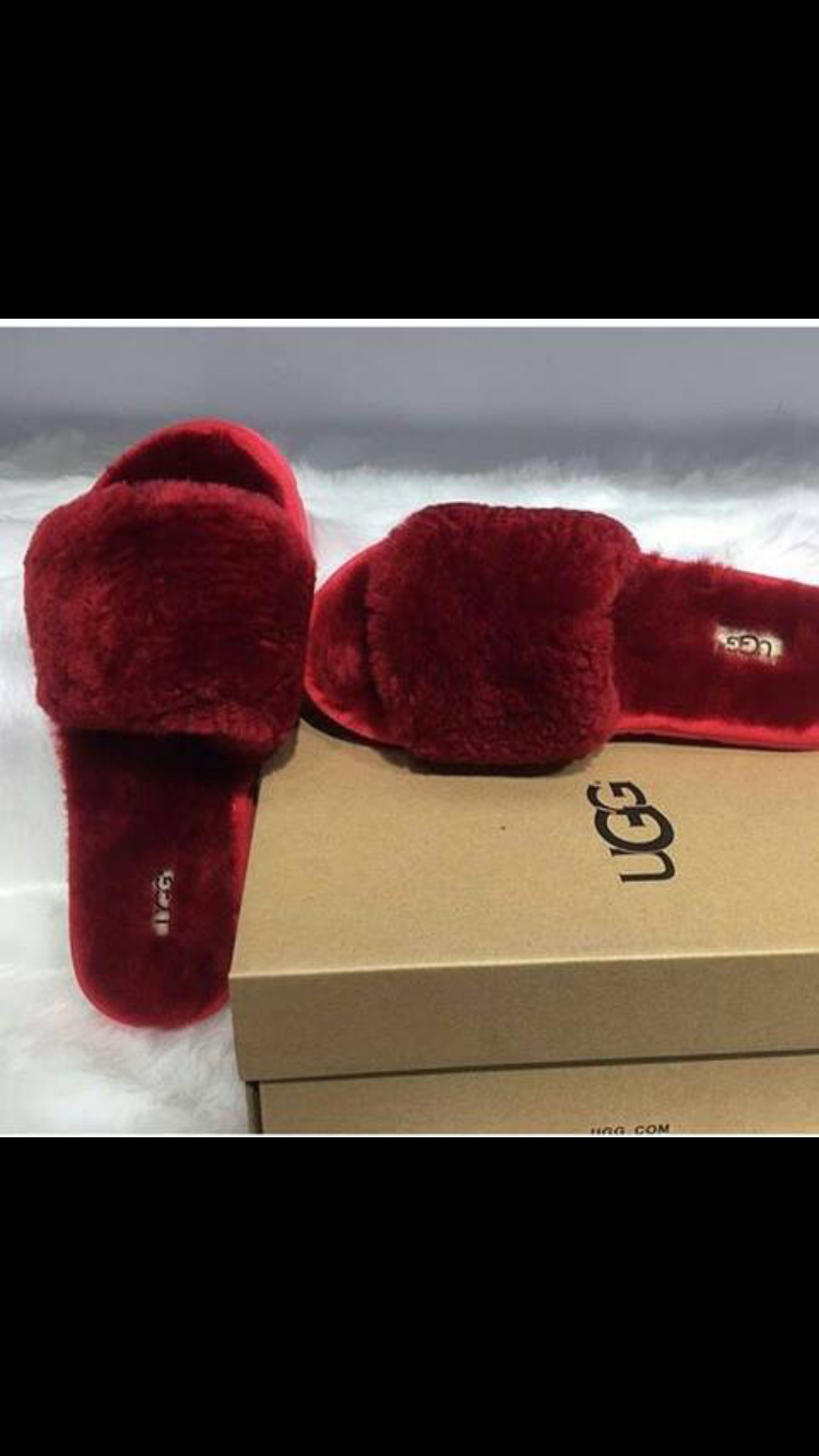 1160b7a37e24 Pinterest dominiquemae390♕ Ugg Slippers