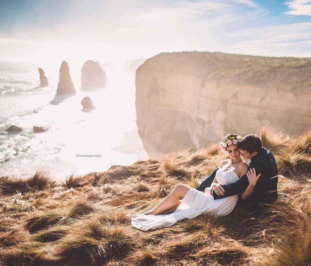 @chemoandbeauty has a beautiful life story! You can find out more in her blog and profile! It was an honour to photograph their pre wedding photoshoot.  renatapineze.com (link na bio) Sigam nossos outros perfis :  @dante_copesky  @inspirandonoivas #greatoceanroad #12apostles #australia by renatapineze