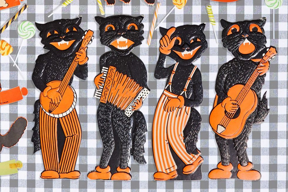 This jazzy quartet features light embossing—a sure sign of their age—these cool cats bring in about $100 each. Reproductions of this 1940s design, which the company continues to make today, can be identified by their double-sided printing and a lack of embossing.