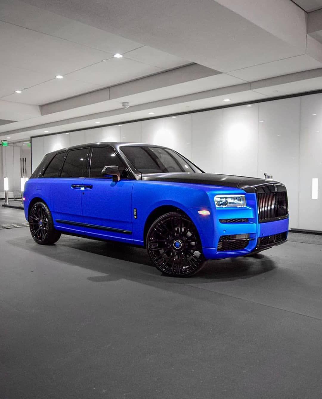 """Photo of Rolls-Royce Fans🔵 on Instagram: """"• Cullinan • Ag wheels • Custom Satin Blue Wrap • 💙🖤✨ #RollsroyceFandom  Dope or Nope!? Follow For More⏩ @Rollsroycefandom 💕✨ . . . Tag us…"""""""