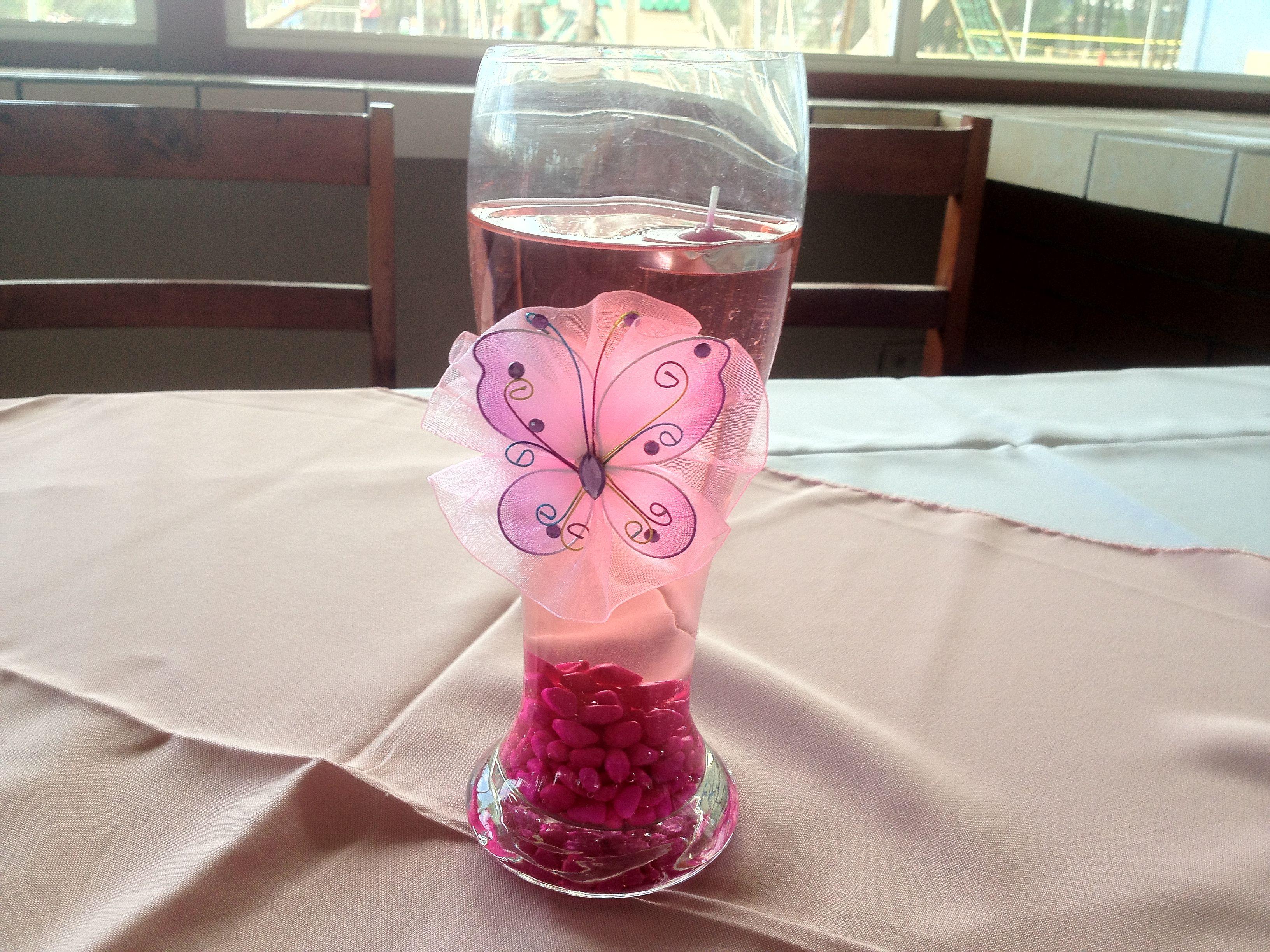 Formas muy faciles para realizar centros de mesa que se vean finos y bonitos visita nuestra pagina en Facebook https://m.facebook.com/#!/SophieProductions?__user=100006190329350 y podrás ver mas ideas como estas