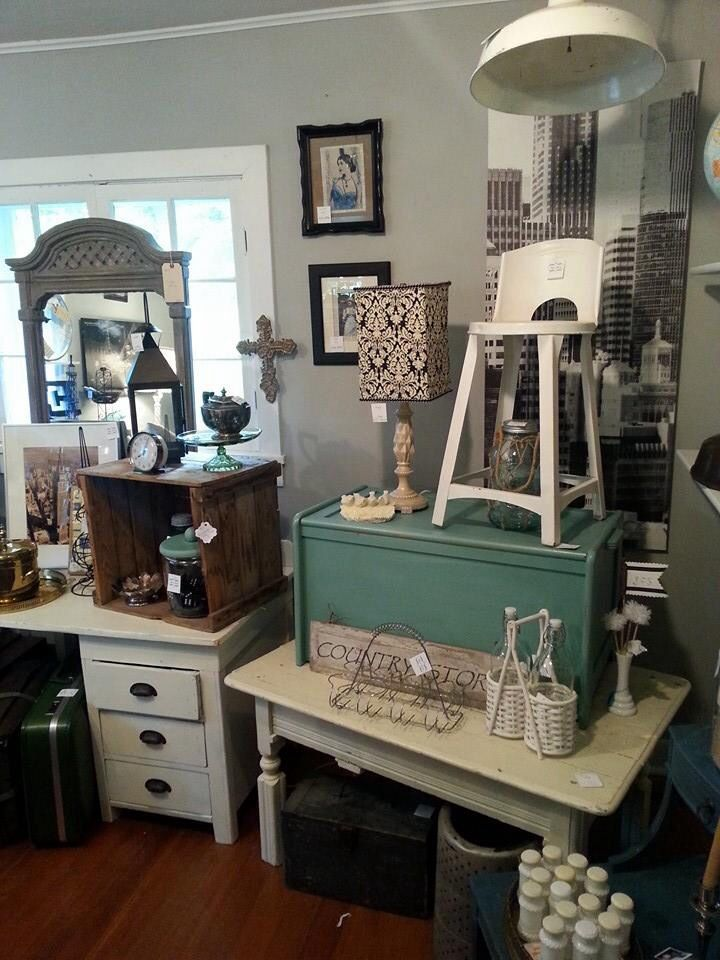 3:17 - Vintage Home Decor Store....in old house outside Minneapolis ...