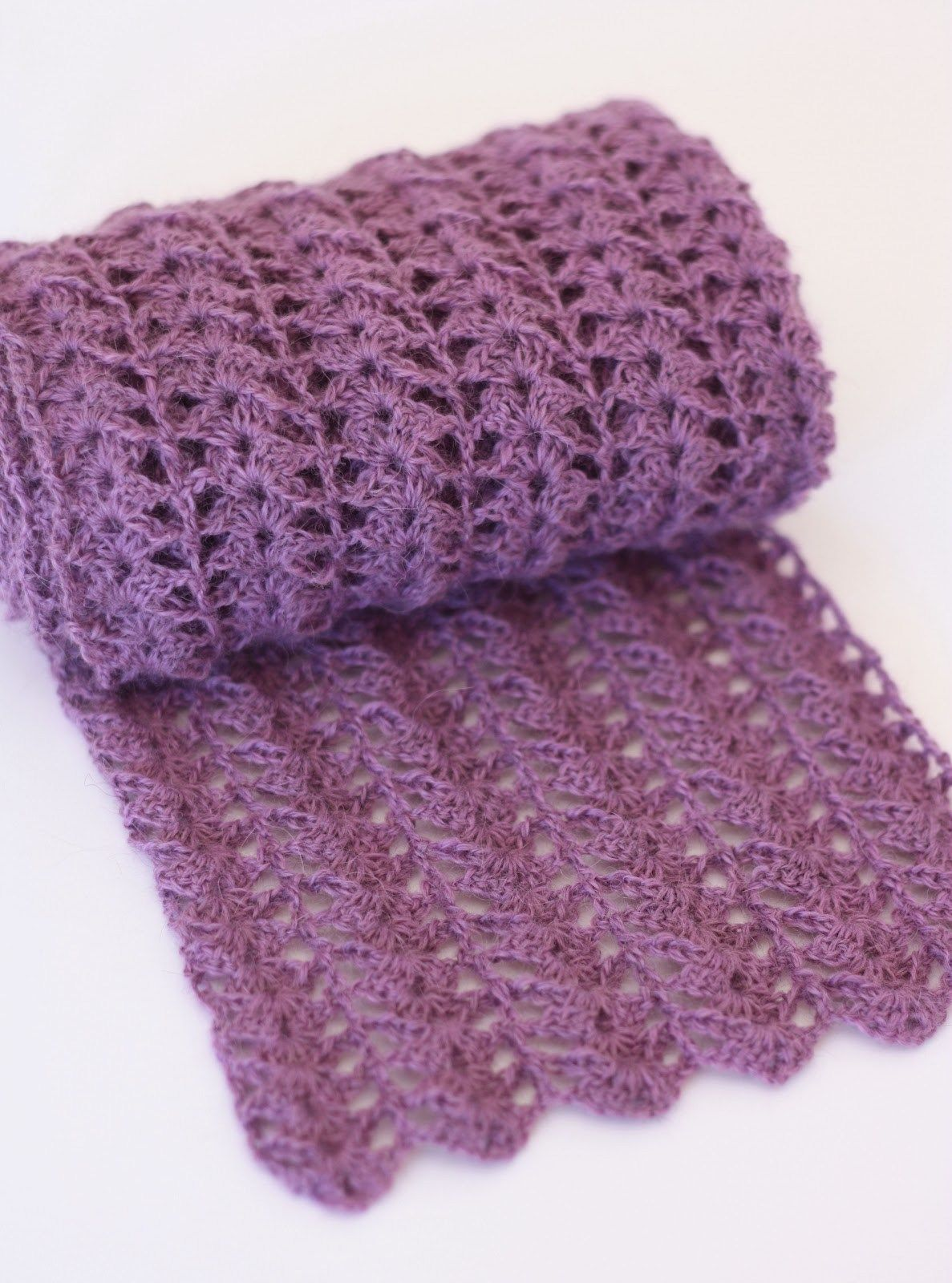9 Gorgeous FREE Scarf Crochet Patterns | Free crochet scarf patterns ...
