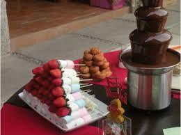 Fuente De Chocolate Buscar Con Google Candy Bar Decor Chocolate Fountain Bar Candy Station