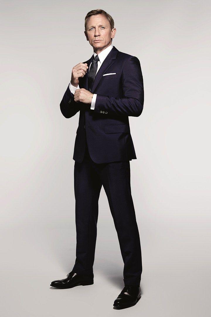 daniel craig suits up as james bond in 39 spectre 39 daniel. Black Bedroom Furniture Sets. Home Design Ideas