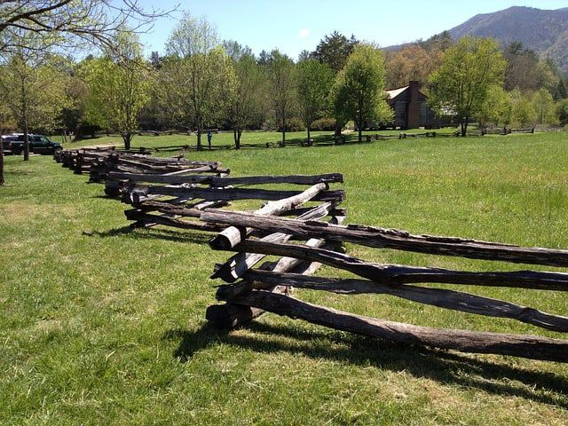 Keep Out the World with 118 Fencing Ideas Fences Pinterest