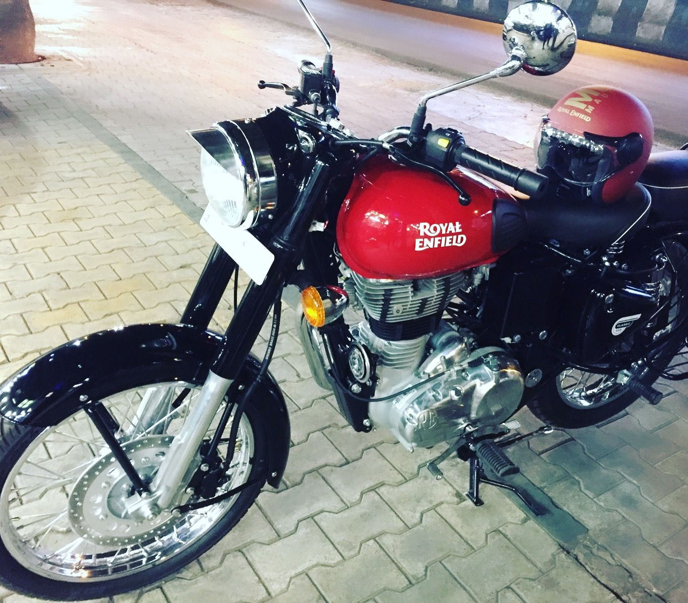 Redditch Red Classic 350 With Images Royal Enfield Classic