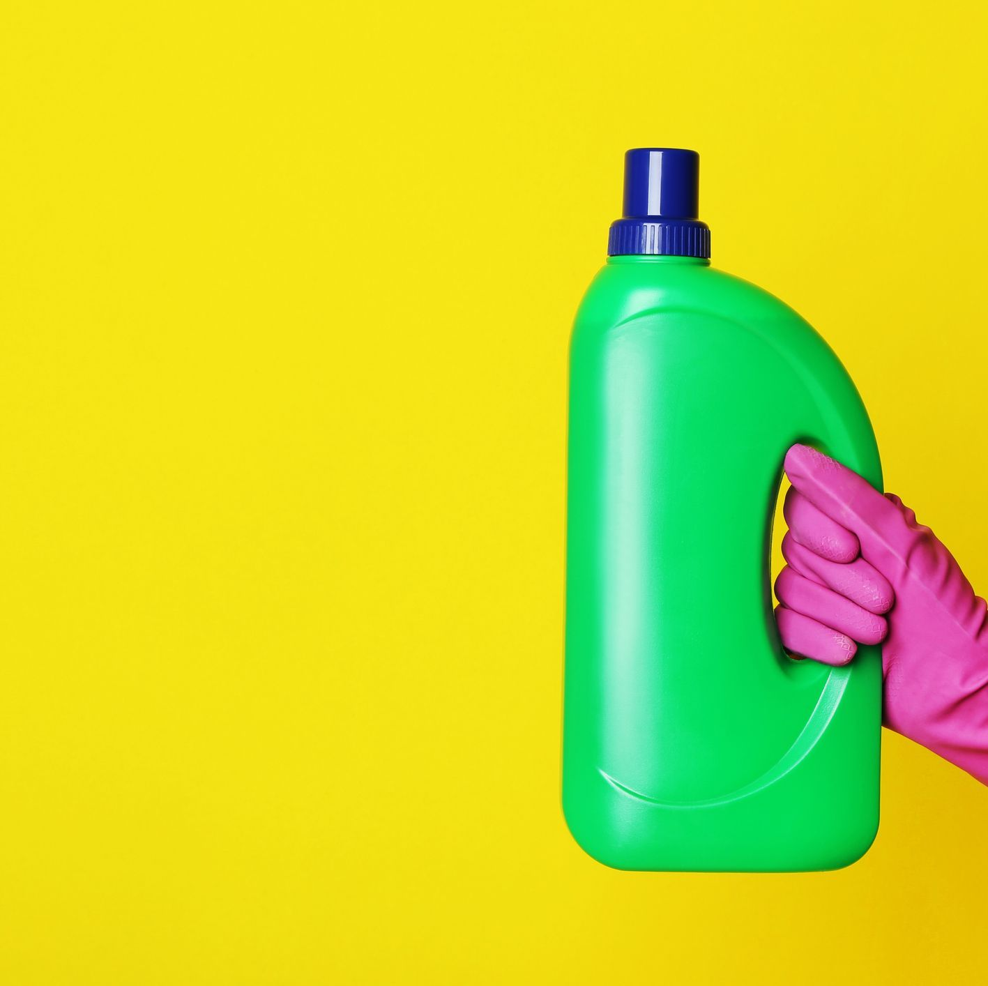 Here's How to Be Sure You're Using Bleach Properly in 2020