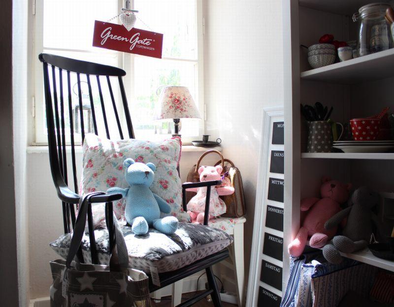 Schaukelstuhl babyzimmer ~ Ein schaukelstuhl in schwarz perfekt für meine greengate ecke