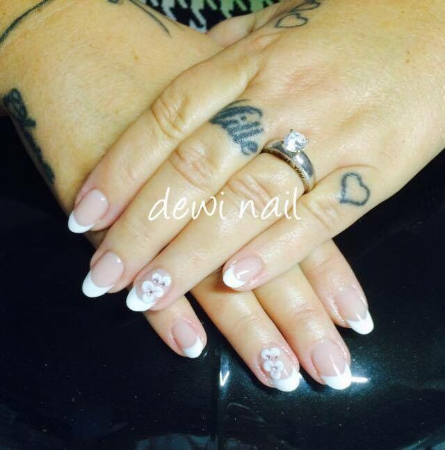 Classic french nail with 3D flowers