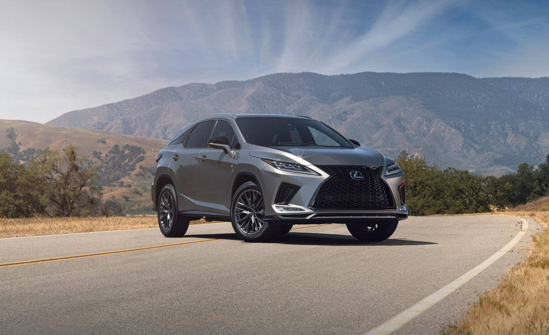 The Leader Of The High End Crossover Sector Is Getting An Upgrade Inside And Out For The 2020 Model Year The New 2020 Lexus Rx And Rxl 3 Row Boost New Lexus