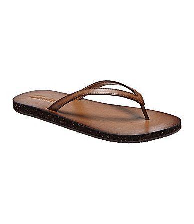 clarks leather flip flops