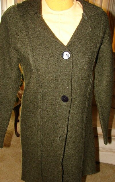 chico's size 0  OLIVE GREEN fits a 4-6 long sweater coat