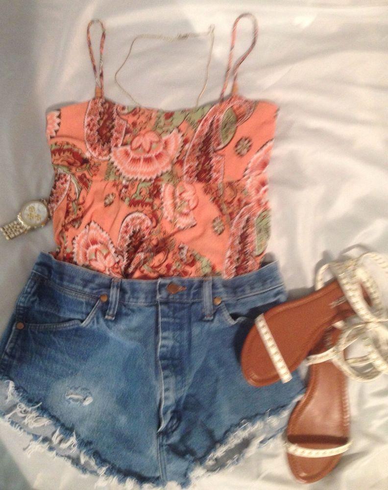 Vibrant casual peach floral spaghetti strap summer tank Sz. Med. #TAKARA #TankCami #Casual