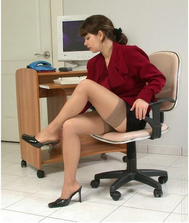 The Unequivocal Look of Women in Stockings and High Heels ...