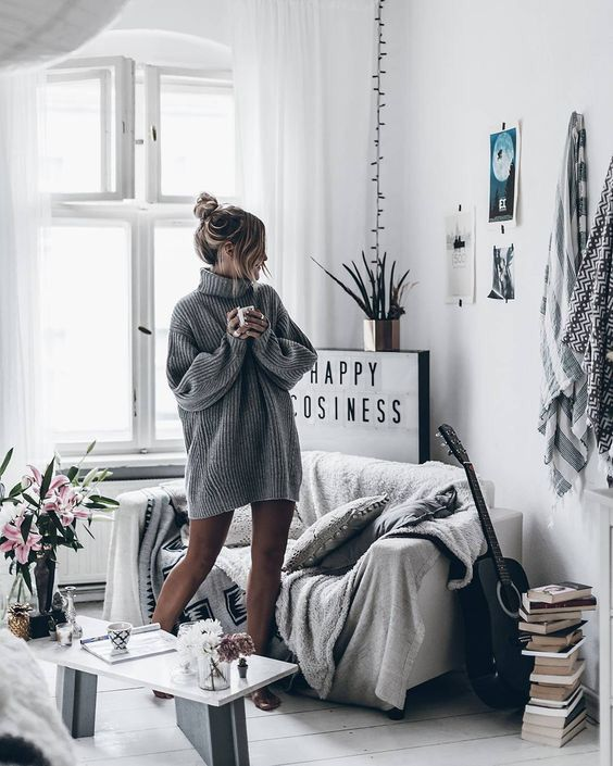 Pin by 𝚓 𝚊 𝚜 𝚖 𝚒 𝚗 𝚎 on comfy and cozy   Cute living room ...