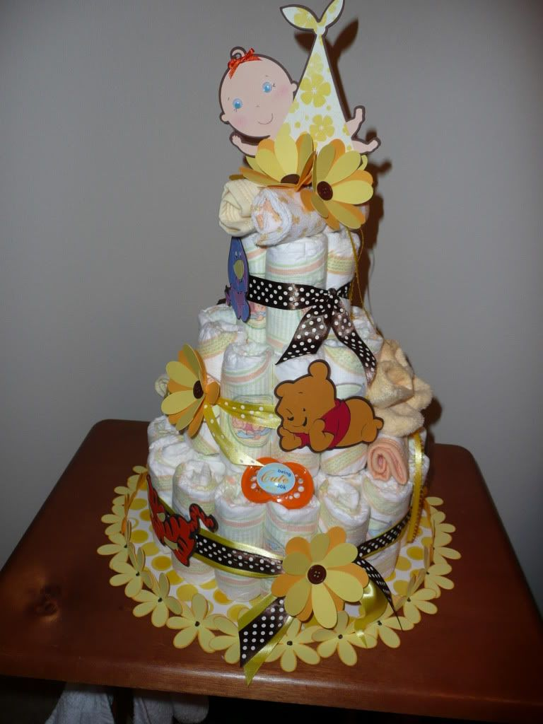 Such a cute diaper cake!