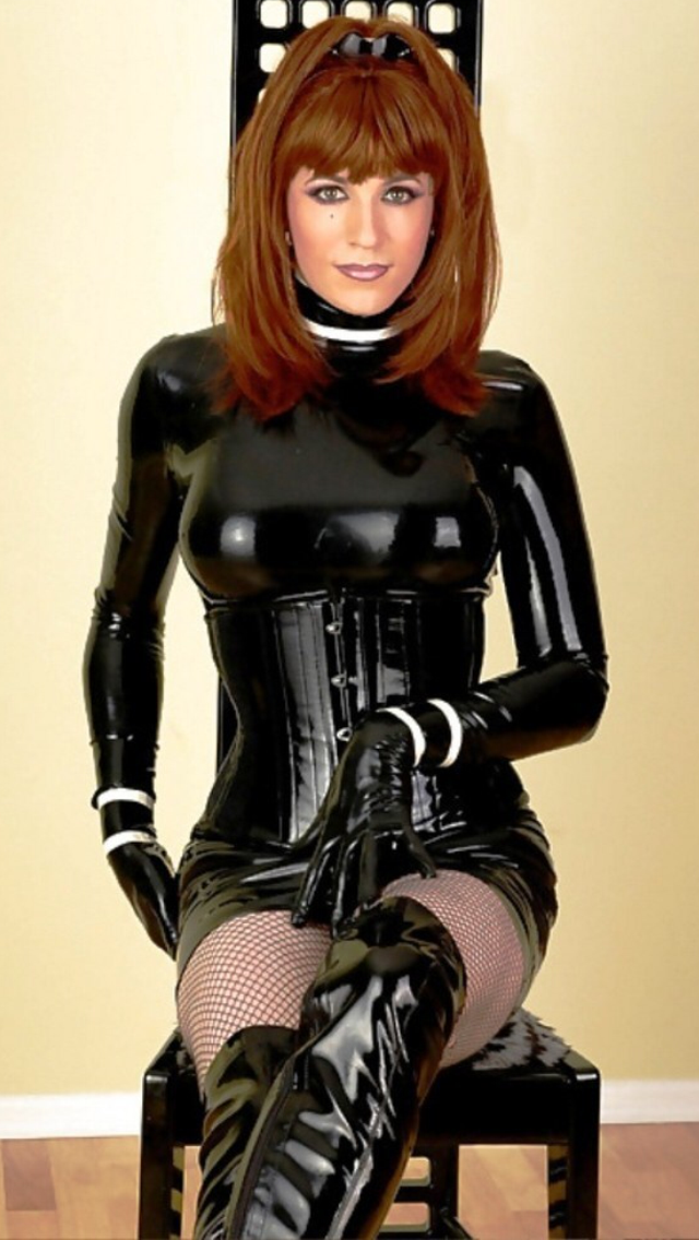 Crossdressers in latex