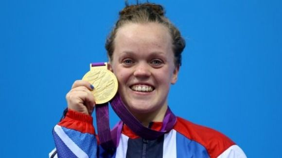 Ellie Simmonds, a 17-year old teenager girl, has broken her own world record that she made just 48 hours before the second swimming competition in 2012 Paralympic. She beat her competitors and even South African blade runner Oscar Pistorius and grabbed her fourth Paralympic gold medal.