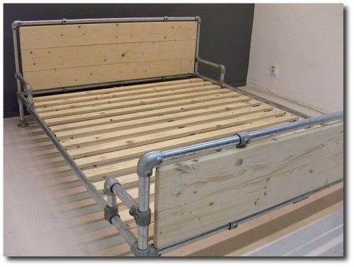 bed made with kee klamp pipe fittings zuk nftige projekte m bel zimmereinrichtung und. Black Bedroom Furniture Sets. Home Design Ideas