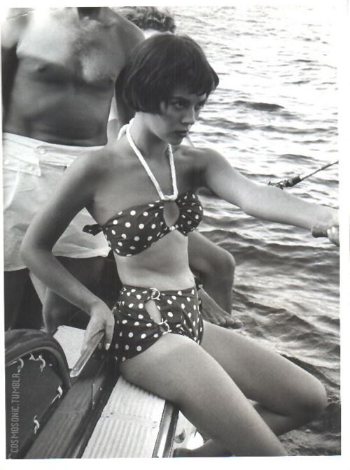 1950s, Natalie Wood was afraid of water and it shows...