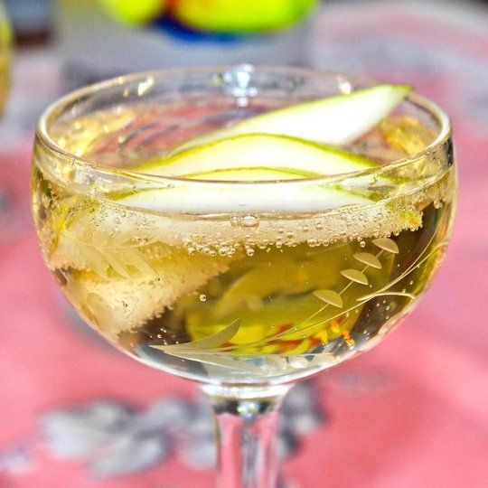 A Cocktail Recipe for Passover: Twinkling Pear Cocktail — The 10-Minute Happy Hour