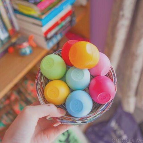 Imagen de eos, lips, and colors