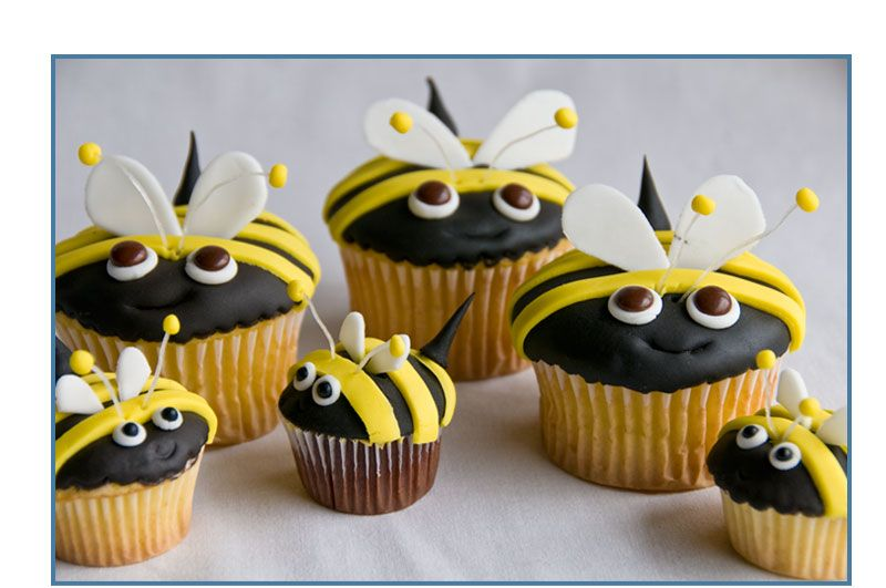 Bee cupcakes I actually made these For Coach Bs birthday