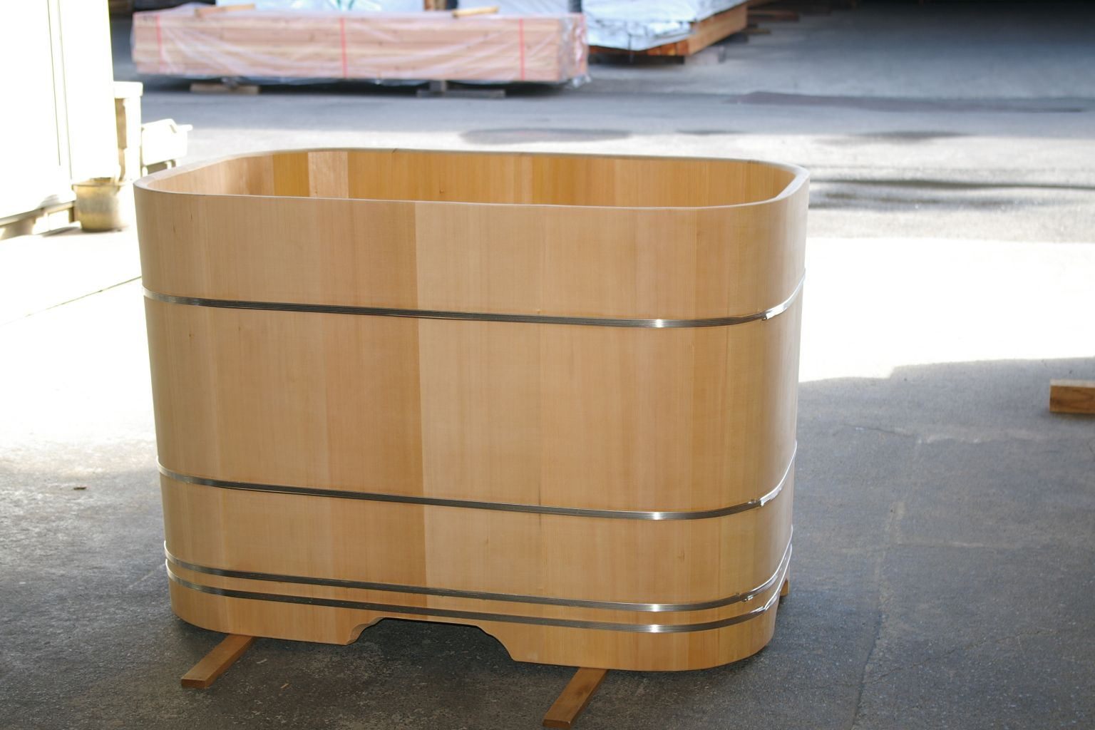 Custom tubs – japanese ofuro bathtubs by bartok design | Dingetjes ...