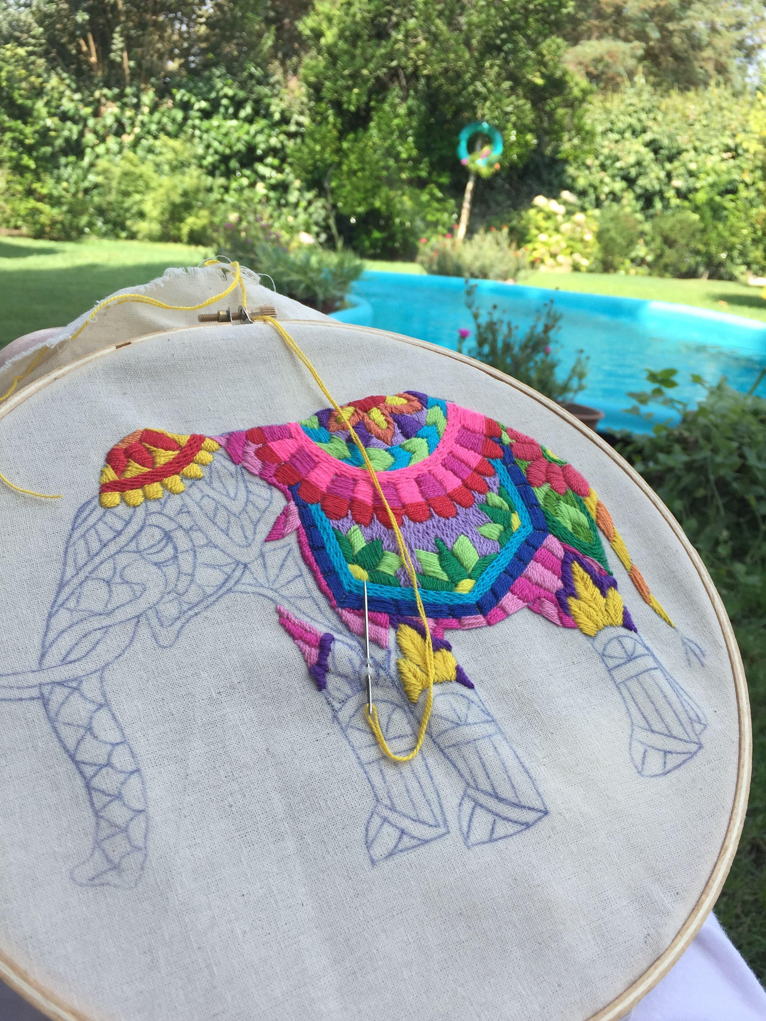 Elefante hindu bordado | Inspiração de bordado, Pontos