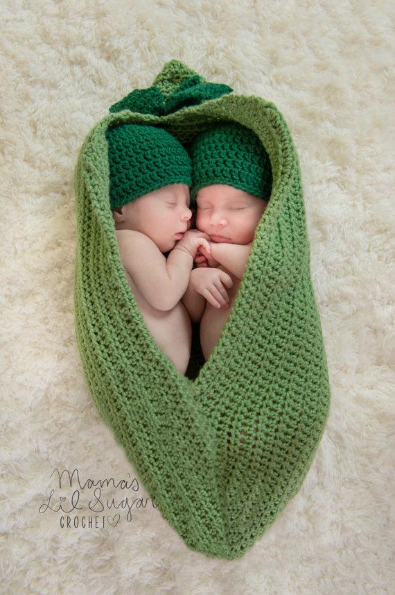 6e1191bb8 Newborn twin peapod prop, Peas in a pod, Twin photo prop, Newborn Twins  Set, Baby Peas, Newborn photo prop
