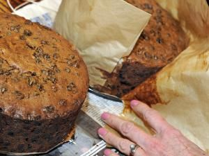 Your Step-by-Step Guide to Making British Christmas Cake: Leave to Cool