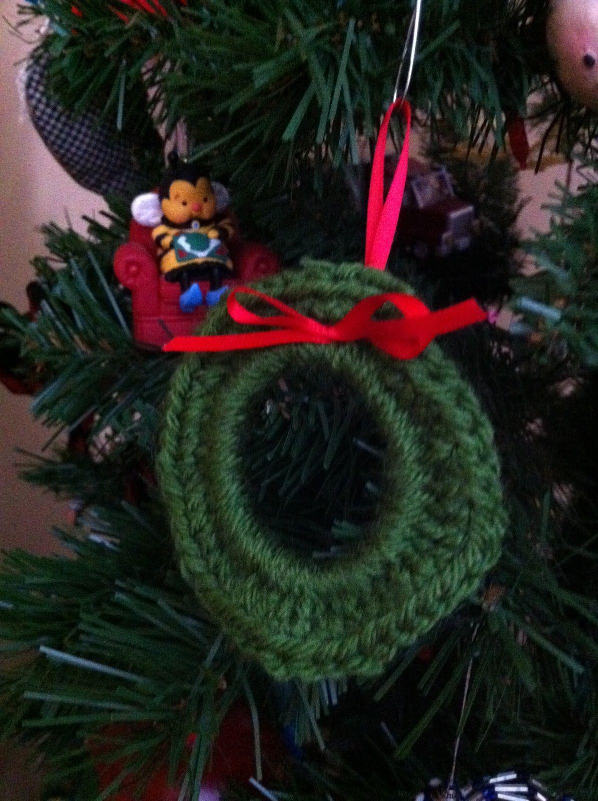Stitch. Bake. Run.: Crochet wreath tutorial | Dump Cake Recipes ...