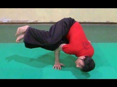 Allenamento in casa - esercizi di equilibrio sulle braccia - YouTube