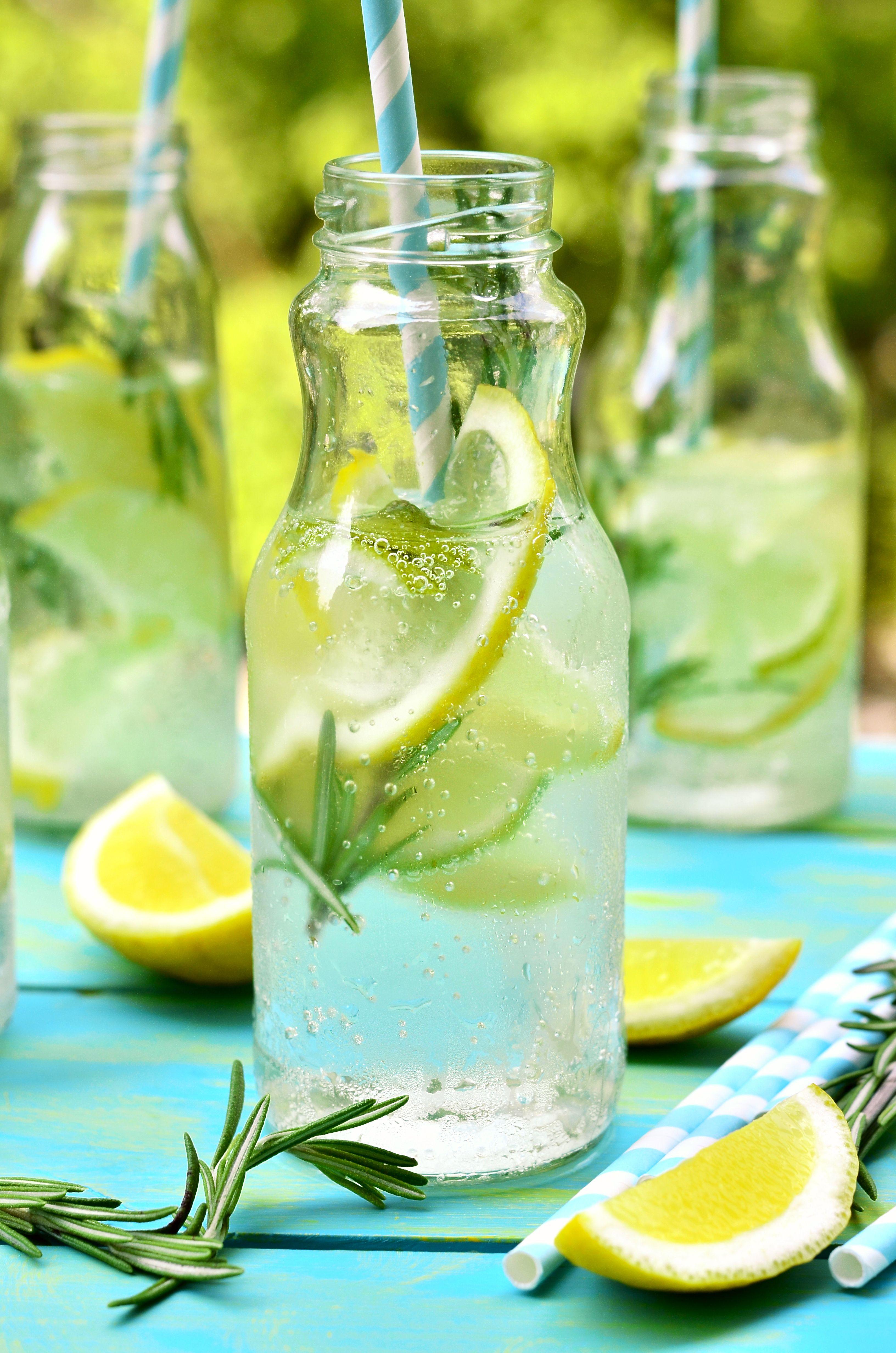 Limonade selber machen: 4 Trend-Rezepte mit Zitrone, Erdbeer oder ...