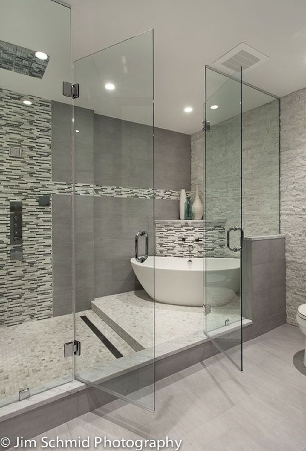 30+ Best Master Bathroom Shower Remodel Ideas To Try #dreambathrooms