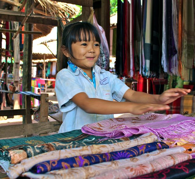 IMG_1655 Laos, girl selling scarves in Whiskey Village ...