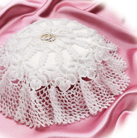 W039 Crochet PATTERN ONLY Double Wedding Ring Bearer Pillow ...